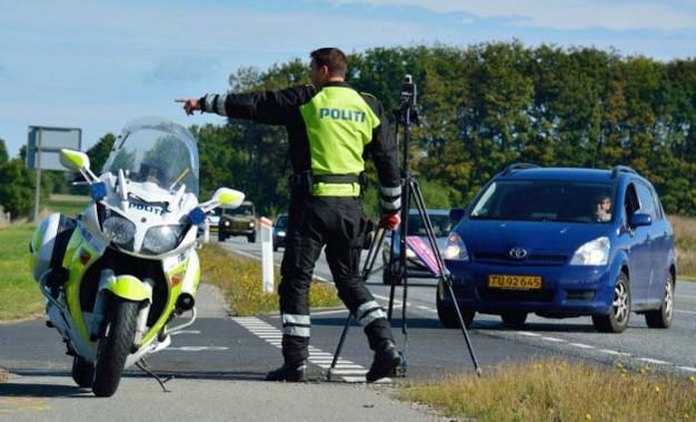 Mange er ikke klar over, hvor lidt der skal til, før de overskrider bilens tilladte totalvægt, men det fritager dig ikke for ansvar i politiets razziaer