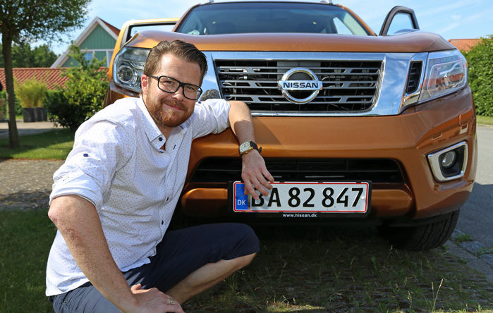 Nissans marketingschef, Steffen nederby Høy har selv fået sig en varebil på hvide plader som firmabil