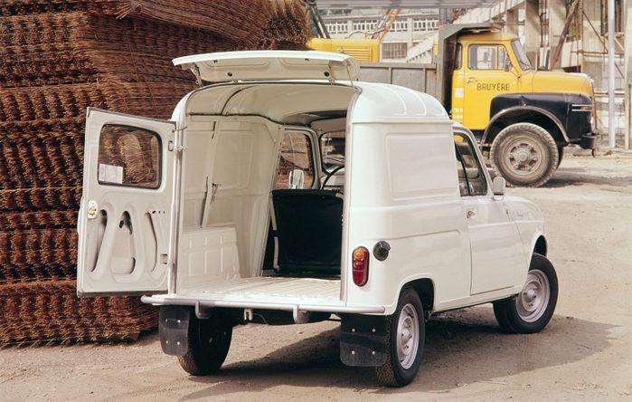 Læg mærke til stigeklappen, som blandt andre VW Caddy siden har forsøgt at kopiere